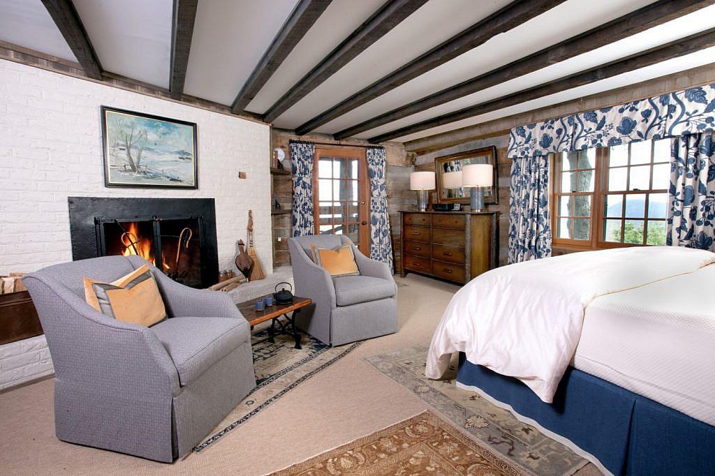 Bishop's Room Updated Interiors